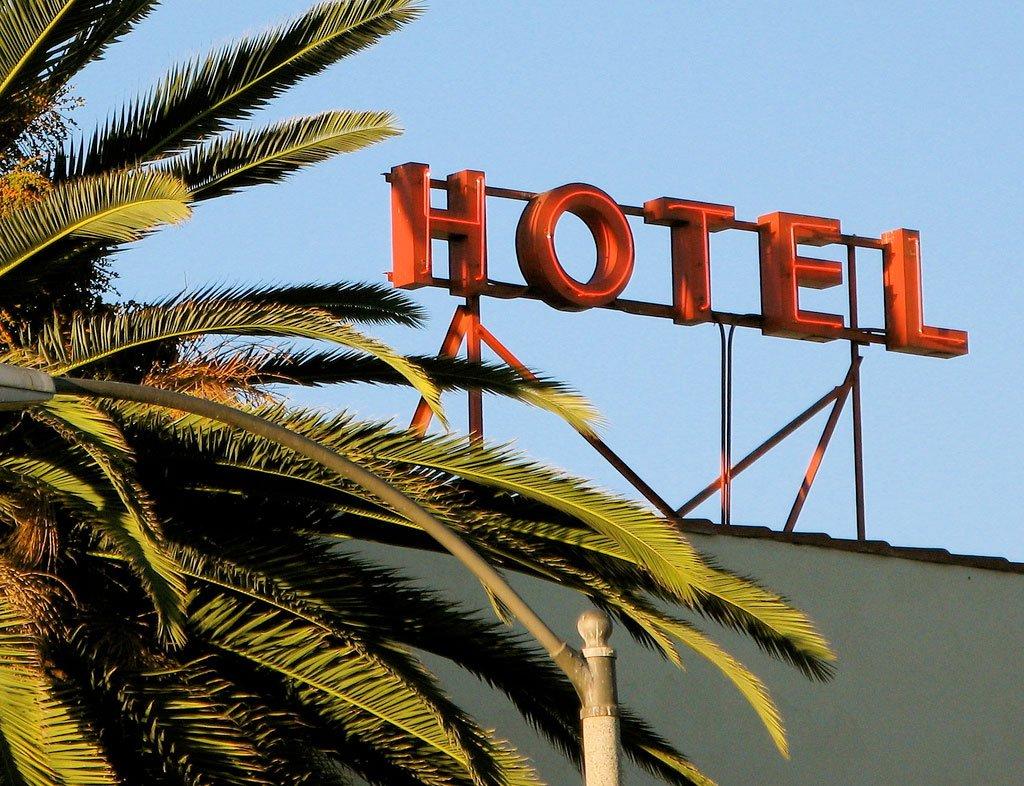 Reservar ou não o hotel?