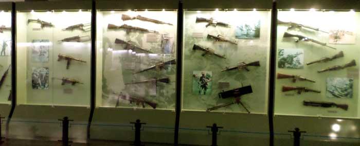 Coleção de armas utilizados na guerra do Vietnã