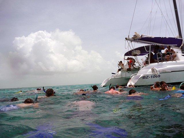 tour-snorkeling-belize