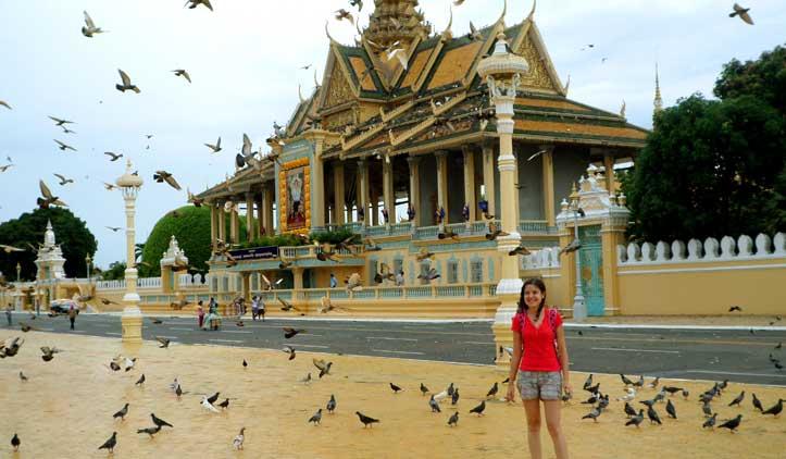 Phnom Penh, a cidade de contrastes
