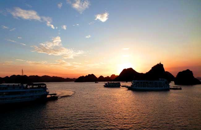 cruzeiro-halong-bay