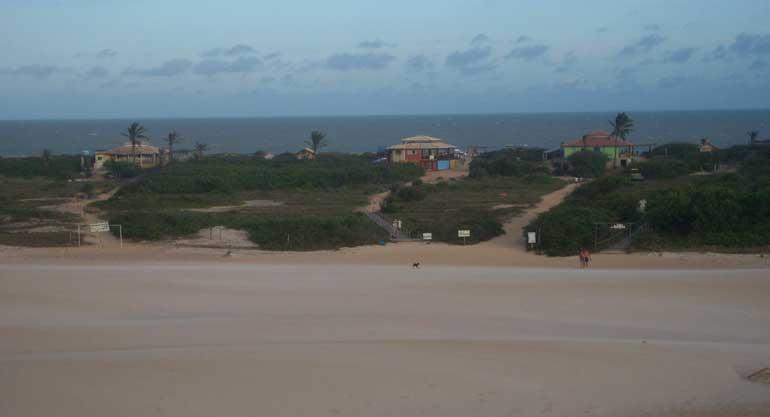 Barracas de praia de Itaúnas