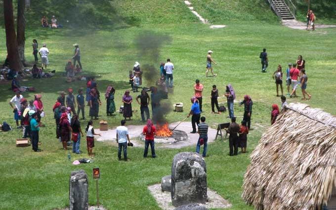 ritual xamanico maia em tikal