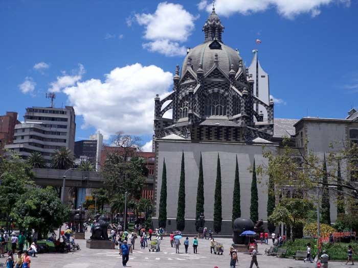 Plaza Botero no centro de MEDELLÍN