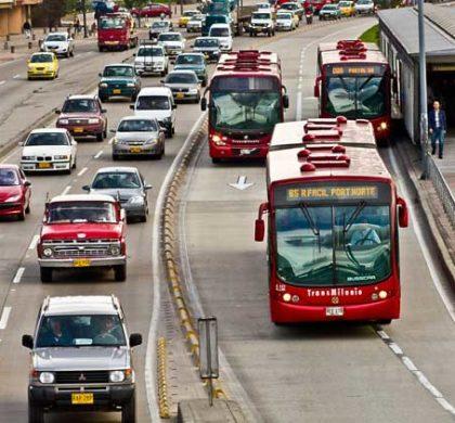 Trânsito de Bogotá -  Foto: Claudio Olivares Medina (CC BY-NC-ND 2.0)
