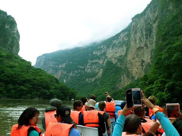 passeio de barco no Canyon do Sumidero