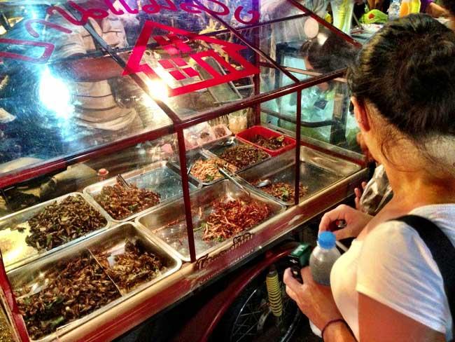 bares boates e insetos de Bangkok