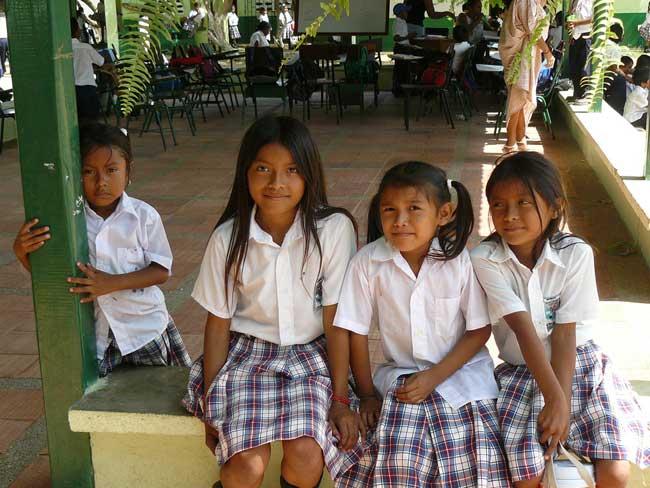 indiginas Wayuu na escola