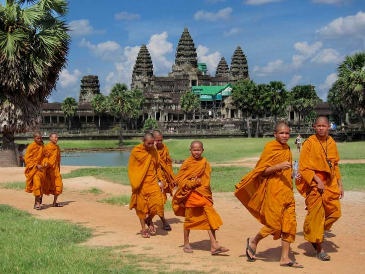 Monges em Angkor - Foto: Stephanie Rowe (CC BY-NC 2.0)