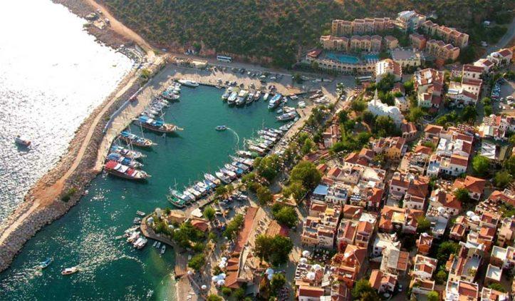 Vista aérea de Kalkan - Foto: divulgação Hotel Pirat